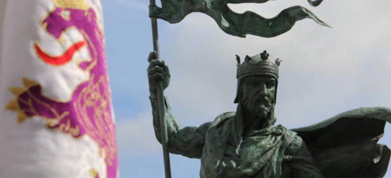 Estatua de Alfonso IX en León